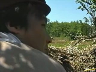 Asian girl fucked in the field Video