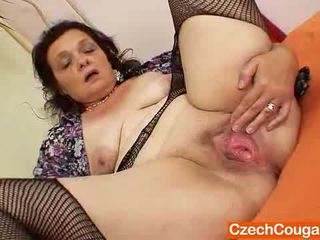 Corpulent Czech Mommy Fingering Pussy
