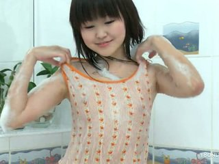 Innocent Asian Chick Sakari Gets The Tub