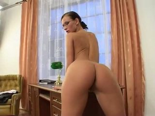 Susana Spears Can't Live Without To Rub Her Pussy On A Hard Desk With Her Fingers