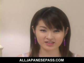 Cute jap model plays with her Pussy and pisses everywhere