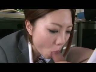Iroha Kawashima sucking in office Video