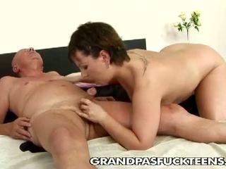 Порно секс с стари баби