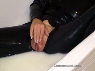 Fetish mothers extreme peeing and fist fucking