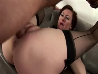 Mature amateur bitch in stockings
