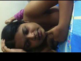 Desi bangla gal sharing her sexperience