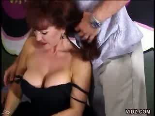 Mature whore exposed her cobwebbed pussy