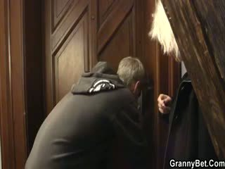 Helpful Dude Bags A Granny