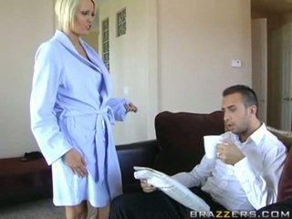 Hanna Hilton cheats her husband