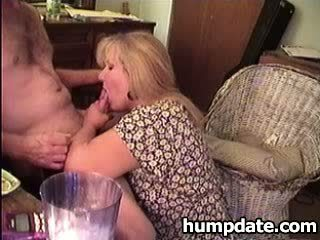 MILF gets her cunt licked and gives Blow Job