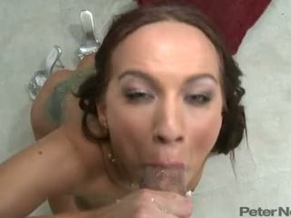 Karina Oreilley Drinking The Warm Cum Of A Hard Cock