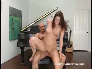 Porn Honey Kelli Tyler Appreciates The Creamy Popshot This Coquette Has After Having Stretched