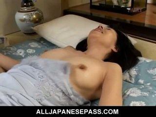 Makiko miyashita sucking hairy cock.