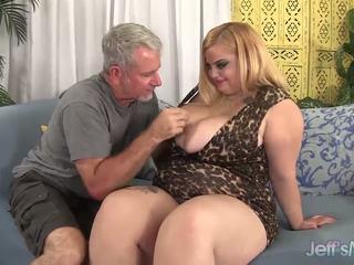 Plump blonde Sasha Juggs hardcore fuck