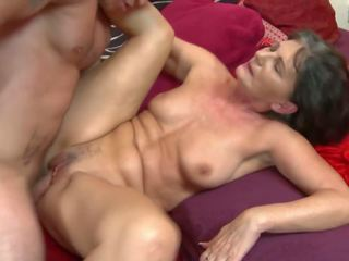 Granny gets Rough Sex with Young Horny Boy: Free HD Porn 31