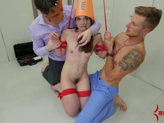 Tiny Dunce Girl Gets Anal Punishment