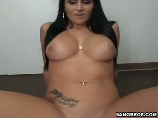 Whore Corina Jayden receives a hot poshot on her face the way she always liked