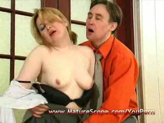 Young guy lickfuck and fingering Old Mature babe