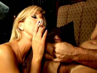 Blonde Smoker Slut Morgan Ray Gives Oral Sex