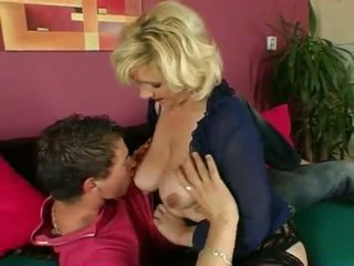 MILF and Younger Boy: Old & Young Porn Video 4d