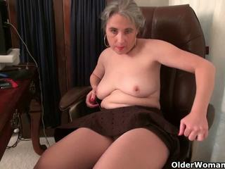 Old Secretary Kelli Strips off and Fingers Her Hairy...