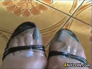 MILF Wearing Her Nylons And High Heels