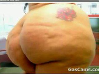 Big Latin Cam Girl With A Huge Ass
