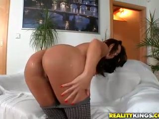 Big ass babe Simone Style anal cock ride