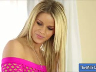Glamour Masseuse Jessa Rhodes Blowjobs