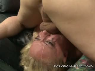 Chick Mindy Deep Chokes From Extreme Face Fucking