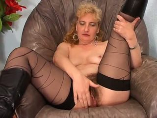 Amateur Hairy Lady Fuck on Armchair - Lostfucker: Porn 9e