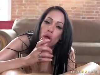 Kelly Summer handjob porn movie