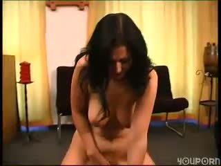 Sybian makes German girl cum