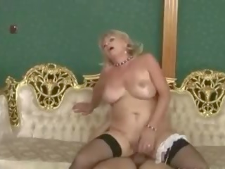 Nice Sally: Free Granny Porn Video d2