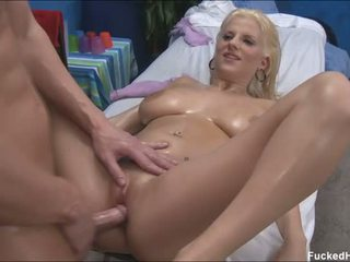 Dude is arousing needs in chick from his massaging