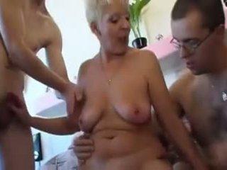 Oma Kriegt Heute Drei Stengel, Free German Porn Video 1d