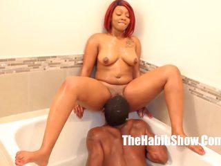 Pussy Eating Bathtub Lovin Thickred BBC Stretch: HD Porn da