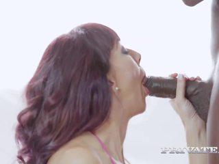 MILF Sofia Star Has Her First Interracial: Free HD Porn 25