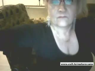 Granny Amateur Christina Spreading And Fingering