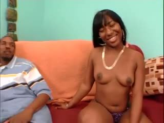 Black mom and NOT her daughter threesome