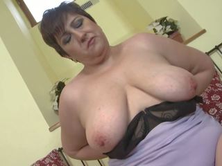 Amateur Wife and Mom with very Thirsty Vagina: Free Porn 45
