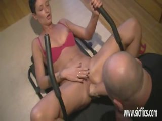 Fisting His Wifes Huge Pussy While She Worksout: Porn bd
