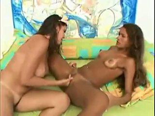 Duas ninfetas brasileiras two brazilians girl