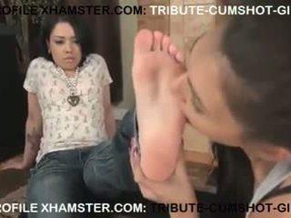 GIRL LESBIAN LICKING FEET TO CHINESE GIRL.