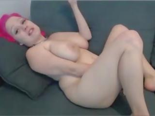 Cute N Curvy Pink Haired Camgirl Orgasms on Cam: Porn ce