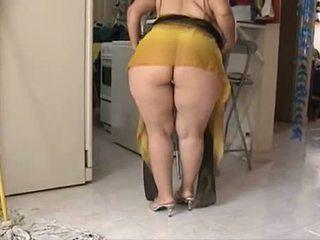 74-10- Undressed Bigbutt