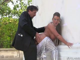 Steve Holmes Sex Round Trip In Berlin With Sexy Susi