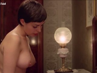 Dyanne Thorne Lina Romay nude scene from Ilsa the Wicked Warden