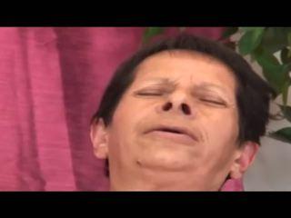 Esmeranda: Mature & MILF HD Porn Video 41