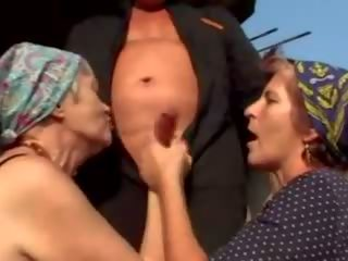 Oma Pervers: Free Outdoor Porn Video 14